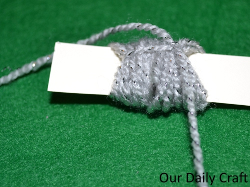 tying pompom