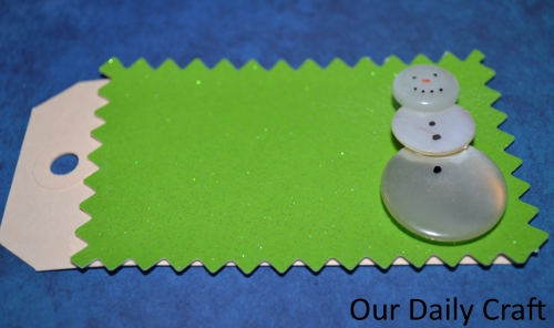 button snowman gift tag