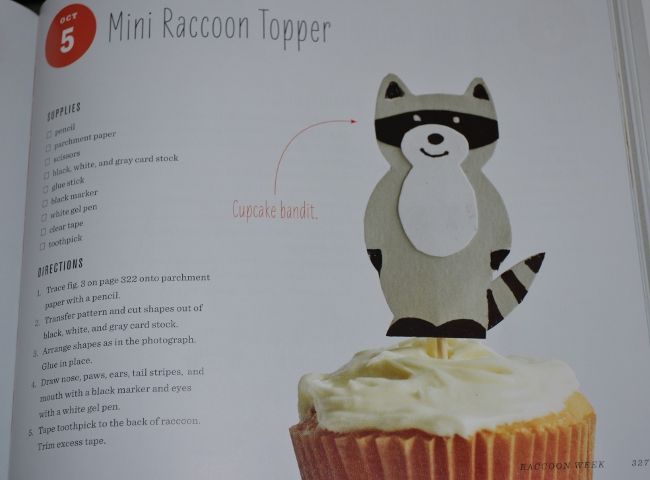 racoon cupcake topper