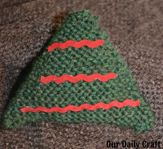 knit tree ornament