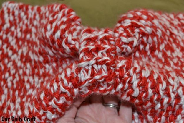 Garter Stitch Bow Cowl {Iron Craft Challenge}