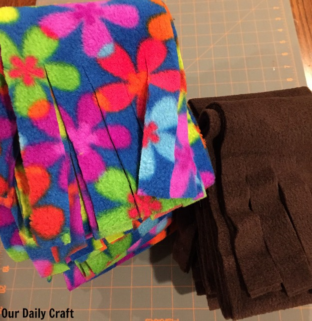 fleece scarves: an easy craft for a crowd