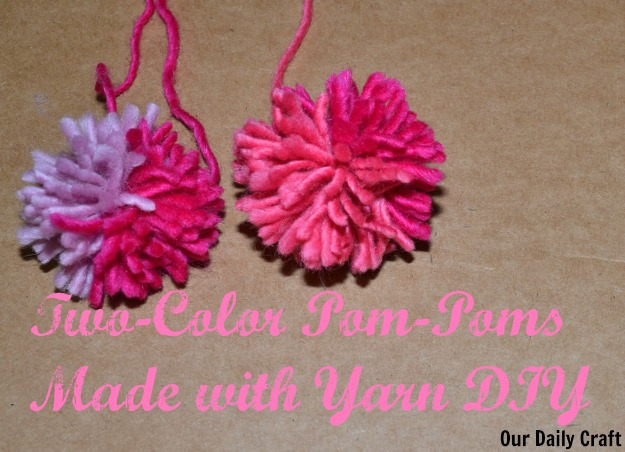 How to make two-color yarn pom-poms