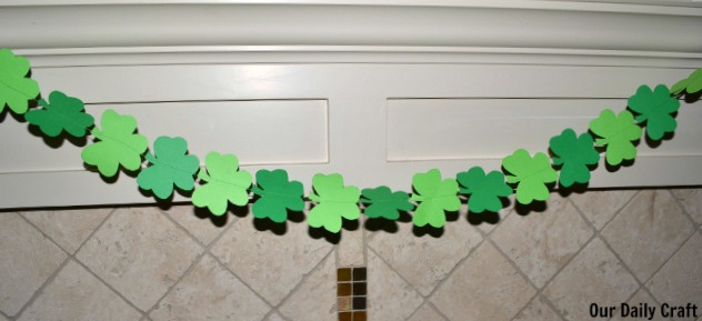 st patricks day paper shamrock garland