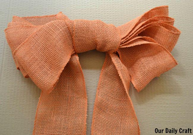 finished burlap bow