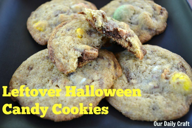 these leftover halloween candy cookies are so easy and good!