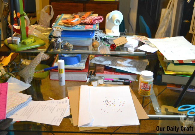 messy desk creativity