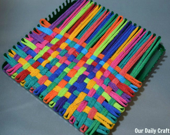 working with a potholder loom