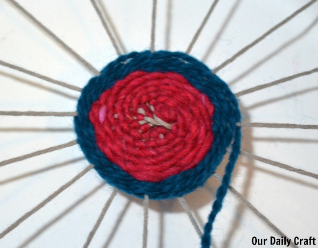 ... weaving with a paper plate loom  sc 1 st  Our Daily Craft & Paper Plate Weaving - Our Daily Craft