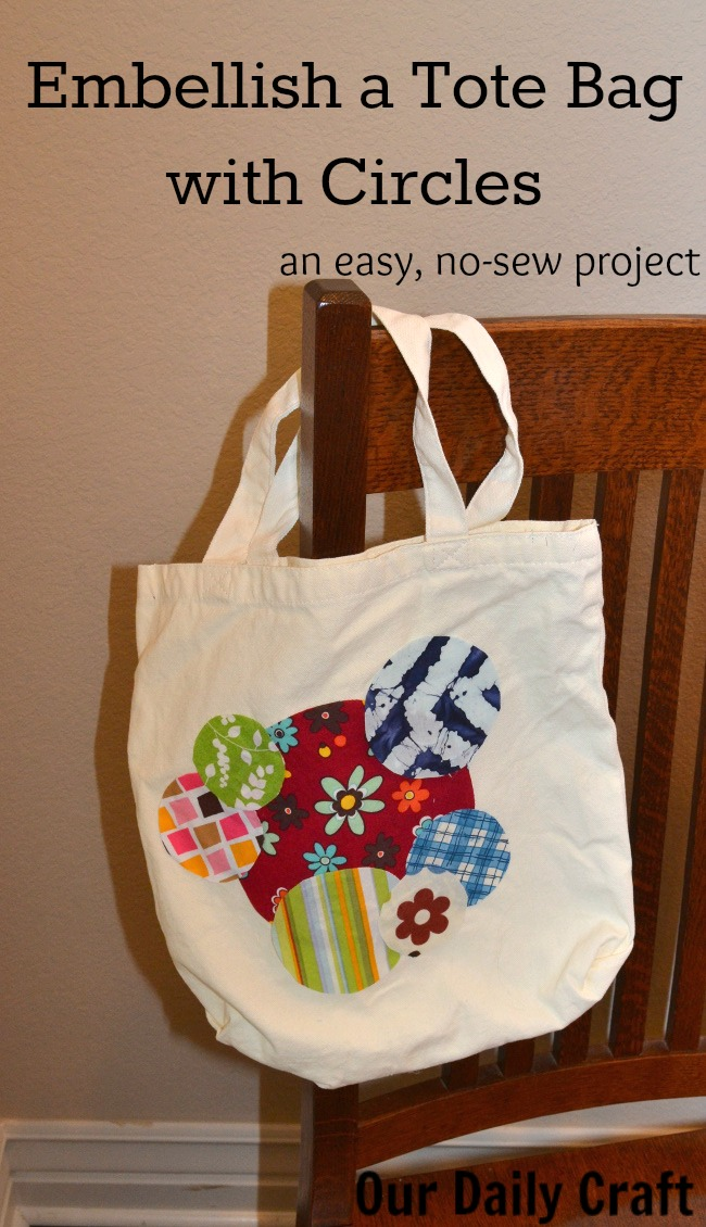 How to embellish a tote bag with circles