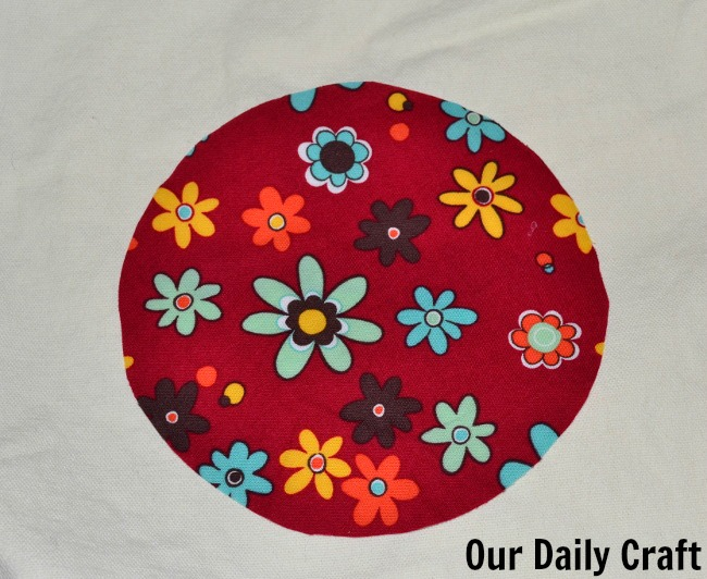 red flower circle