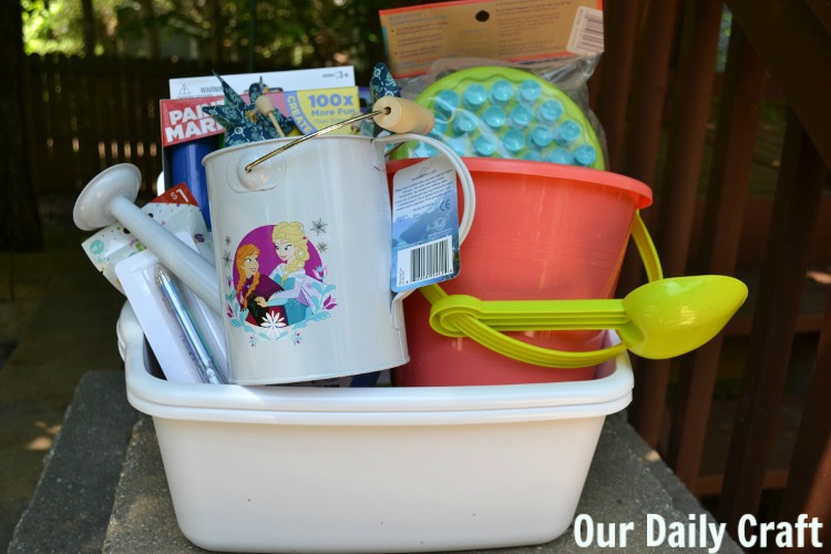 This fun summer activity box for kids is full of easy ideas for activities to do alone or with you.