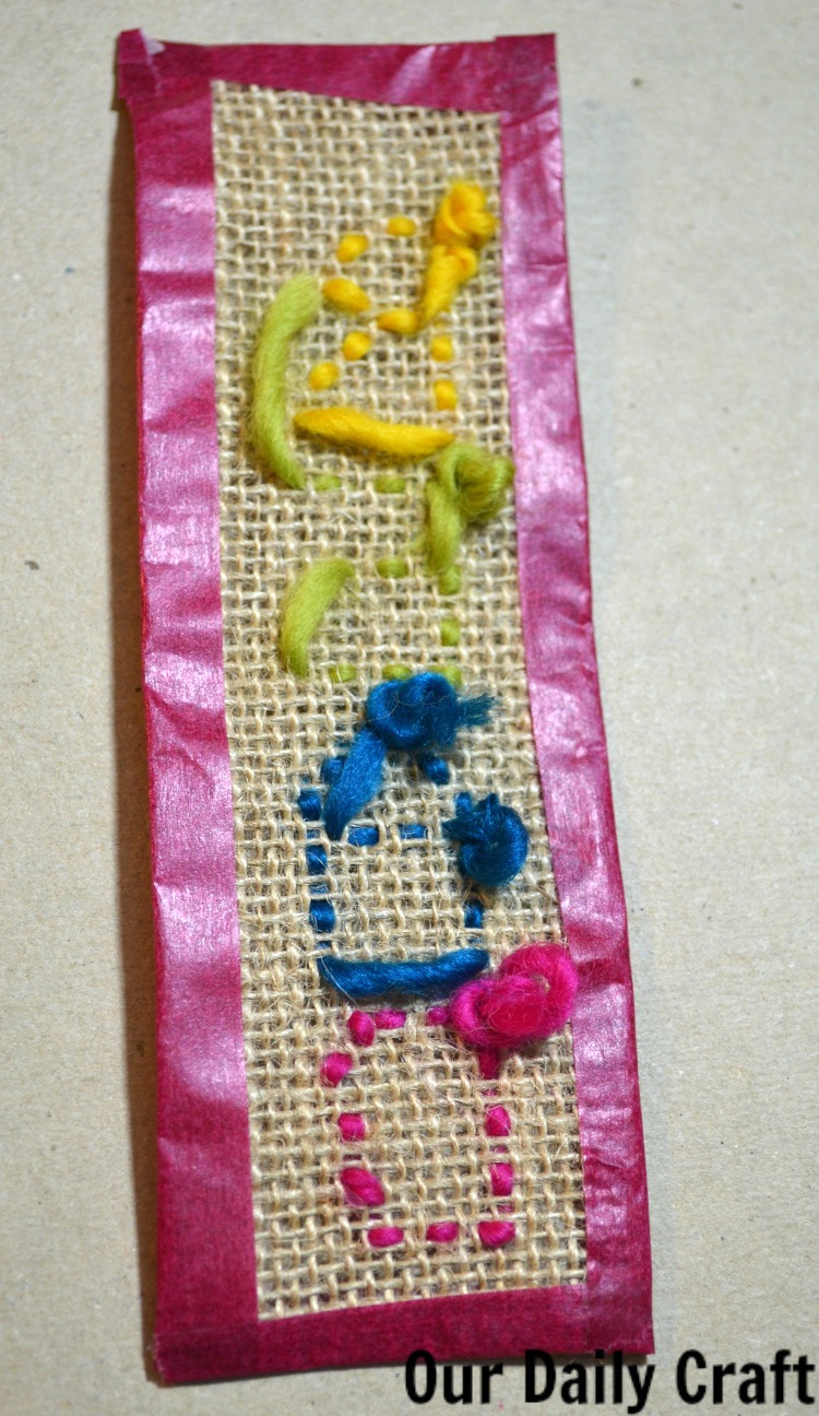 Knit Stitch Bookmark : Stitch a Burlap Bookmark