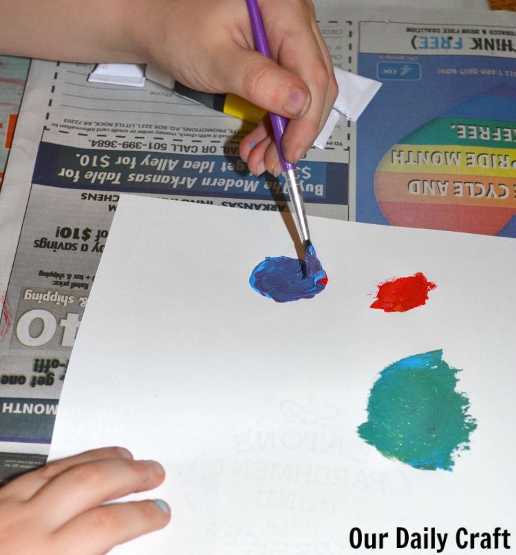 The girl takes over Our Daily Craft with a lesson in color mixing.