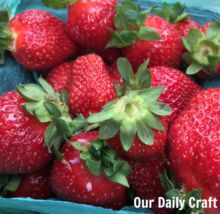Get inspiration for food, color and more by walking around the farmers' market.