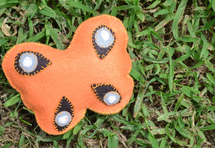felt butterfly from crafty critters
