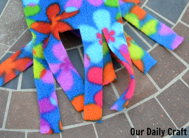 Make a no-sew fleece scarf, or a bunch, with these easy patterns to help you #givewarmth.