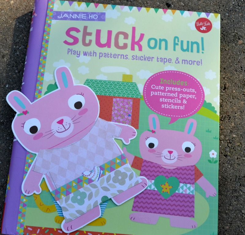 Stuck on Fun offers quick, easy, quiet crafty activities for kids.