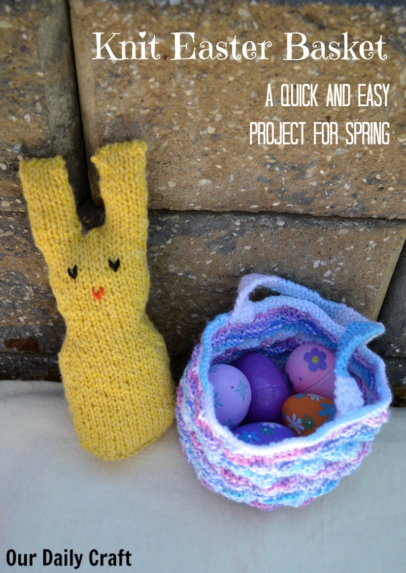 Knit an easy Easter basket to hold a few treats.