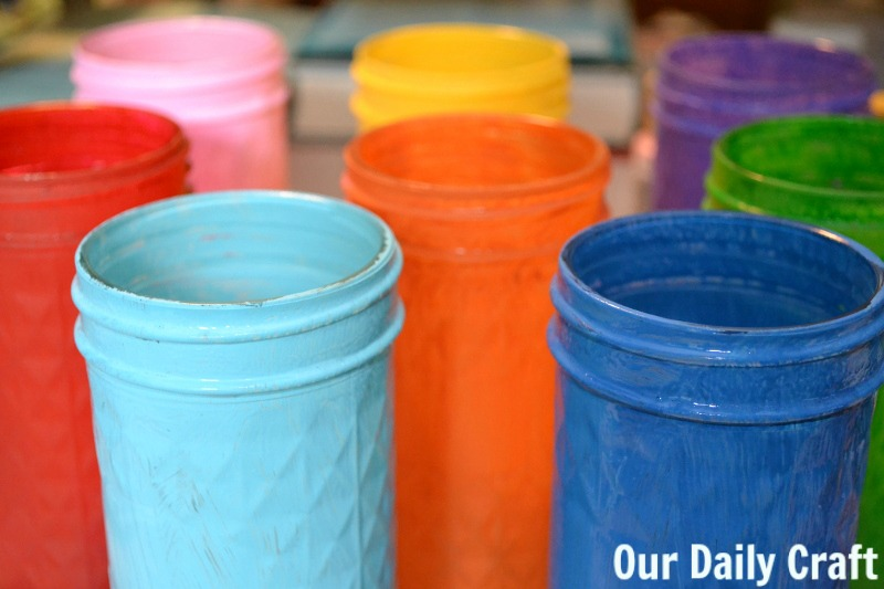 Make quick and easy DIY painted mason jars for end of the year gifts or whenever!