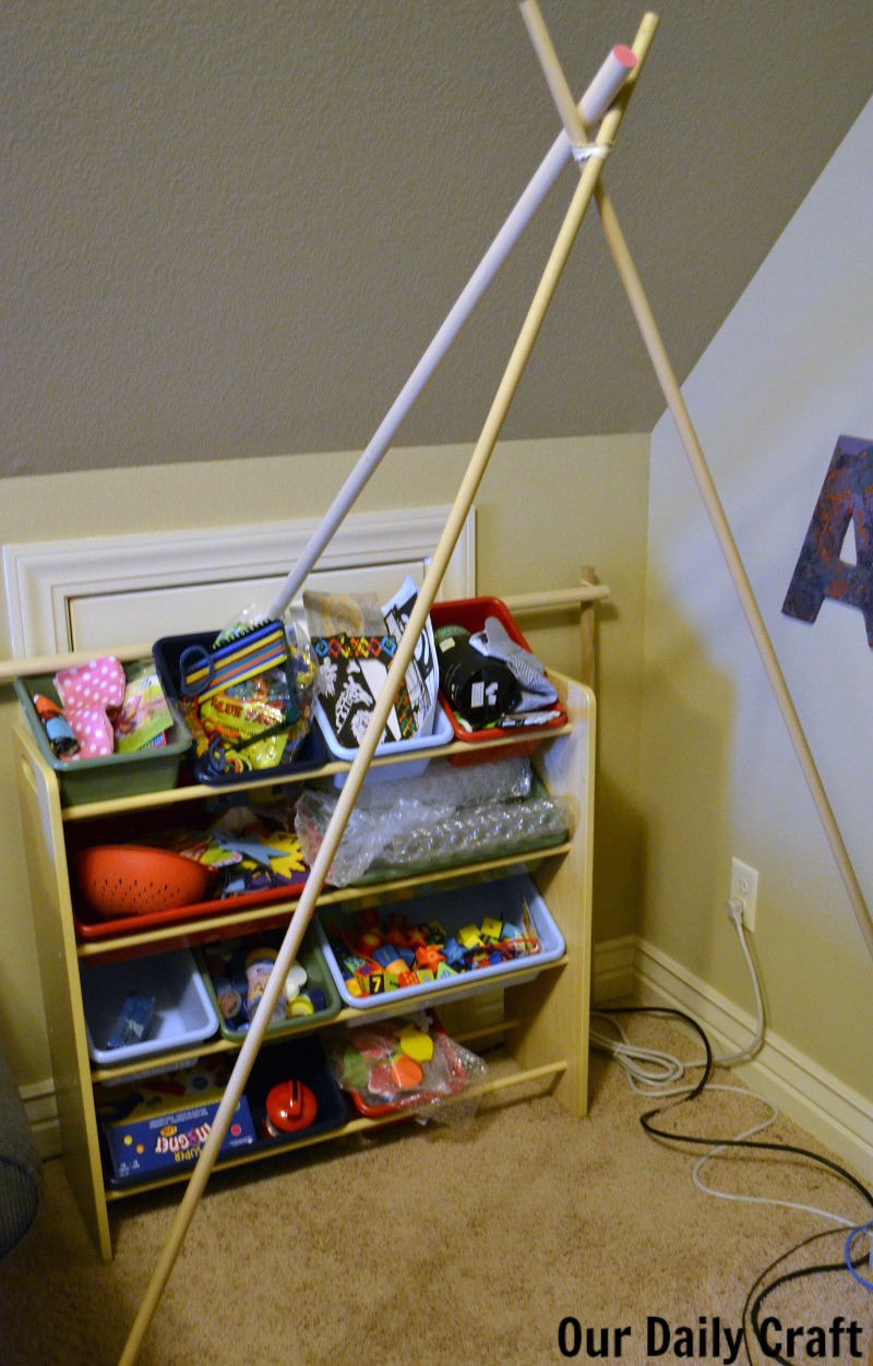 Make a reading tent for your kids (or yourself) no tools required!
