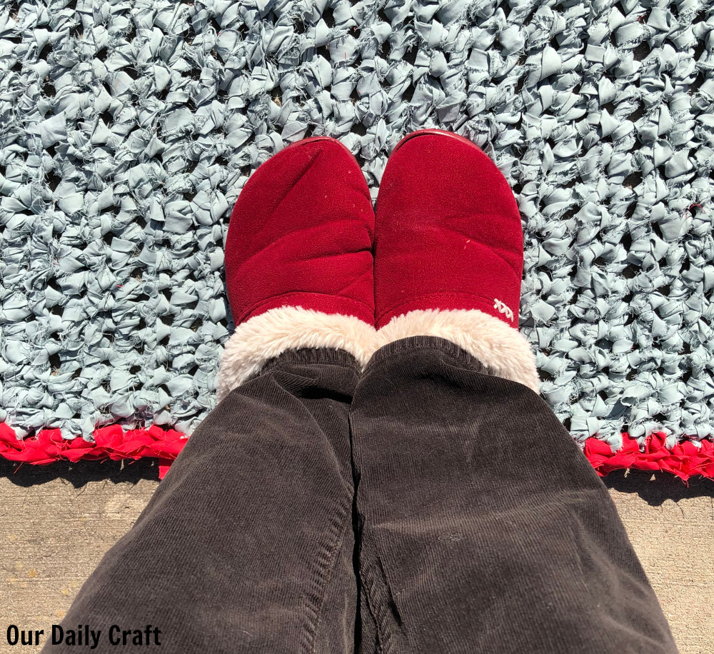 Make a Crocheted Rug from an Old Sheet