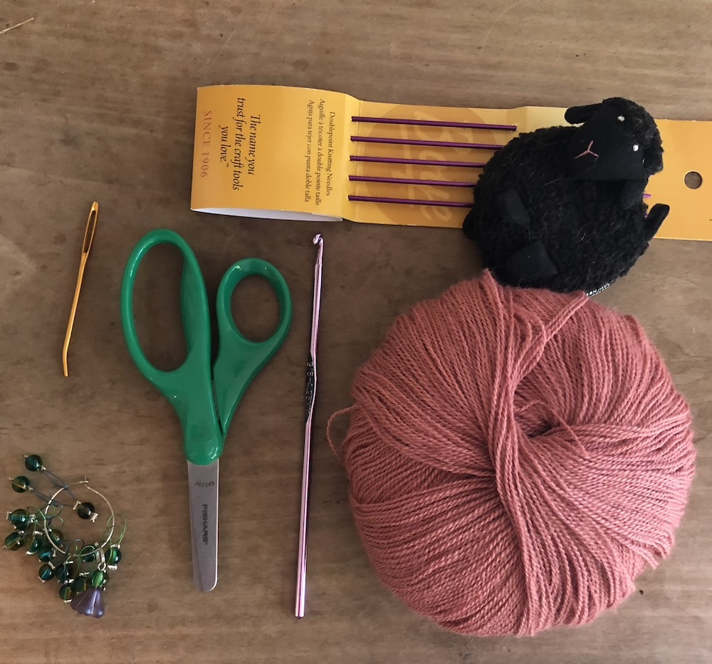 How to Build the Best Travel Knitting Kit