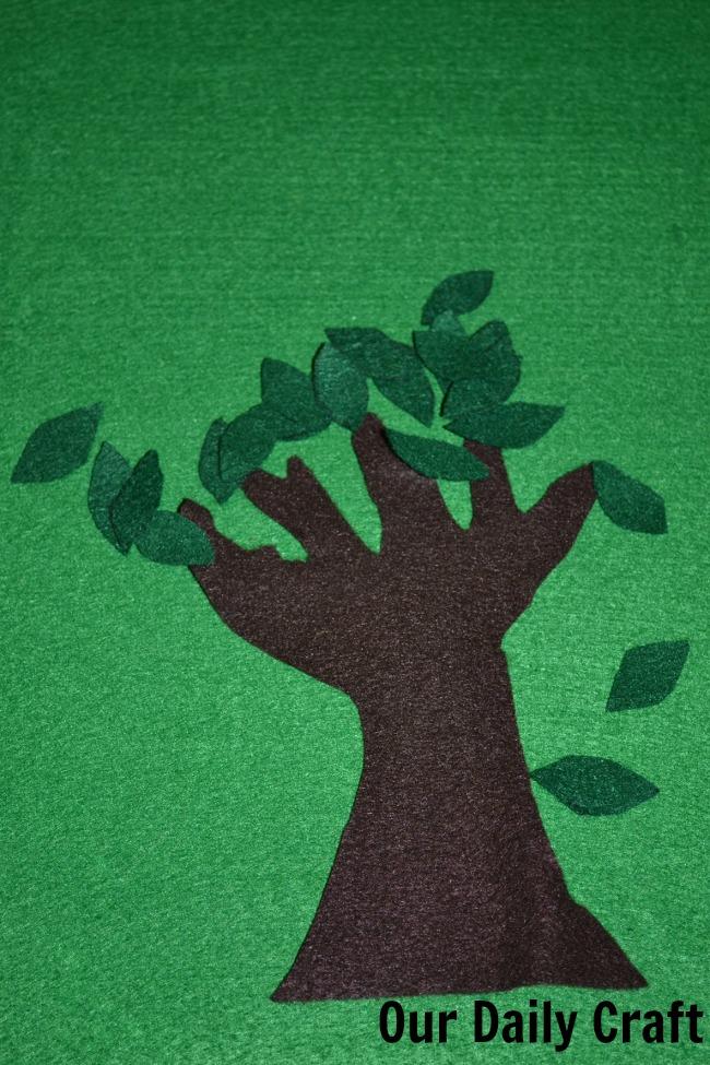 A Big, Green Felt Board {Iron Craft '13 Challenge}