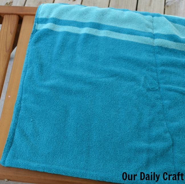 Terrycloth Pillows for Backyard Picnics {Iron Craft Challenge}
