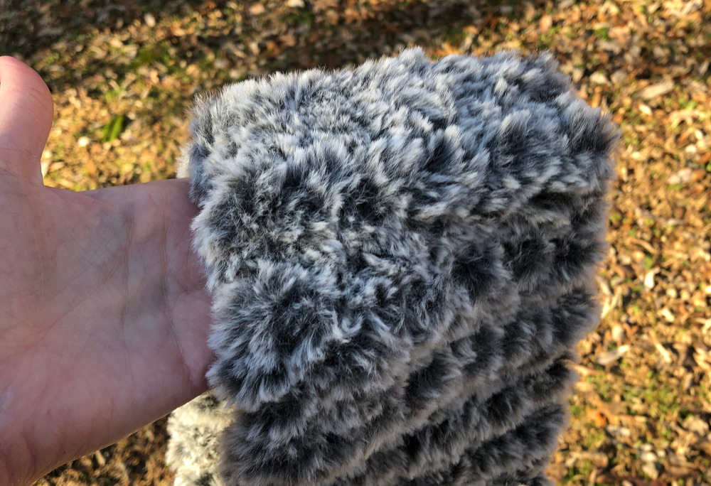 A Super Quick Knit Headband Using Faux Fur Yarn